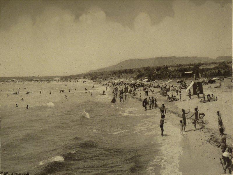 Spiaggia anni 50