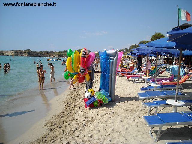Spiaggia di sabbia bianca a Siracusa Lido Sayonara Fontane Bianche