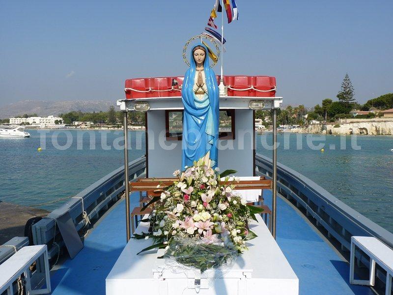 Processione in mare Maria Stella del Mare