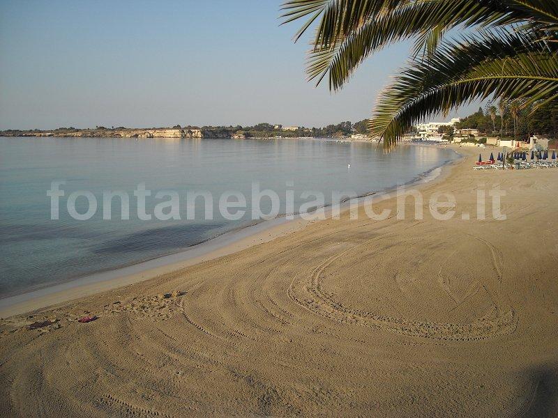 Spiaggia mattina presto